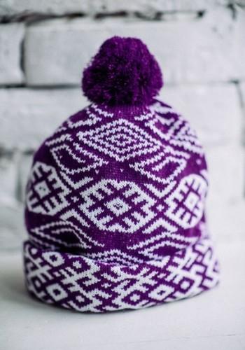 violet hat agni slavic swastica